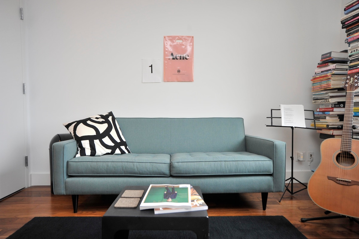 Danish modern excellence in teal: only the best for you.