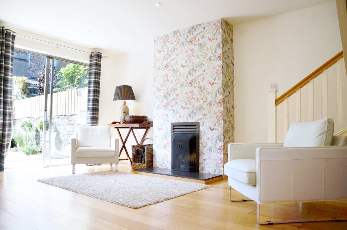Our Bright, airy and, fresh Mews makes a perfect home from home