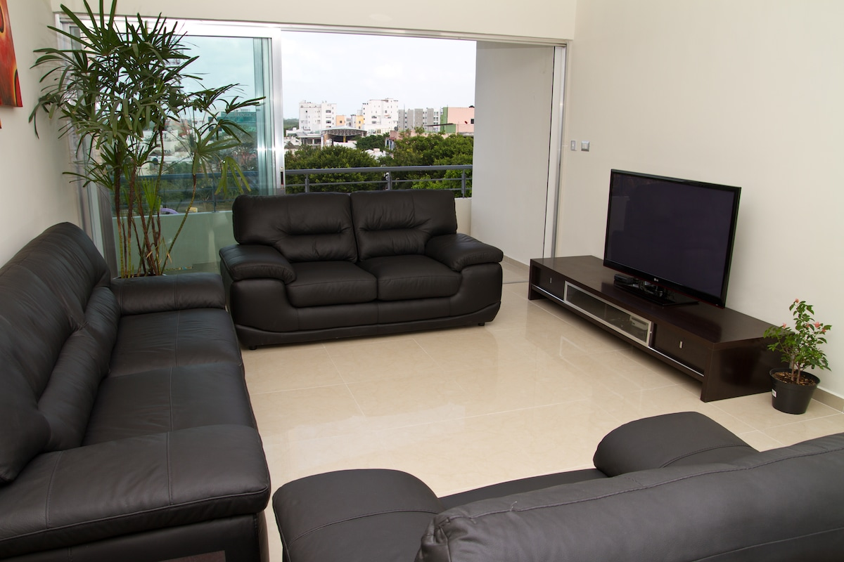 Plasma TV and Xbox available to play with for those rare rainy days in Cancun