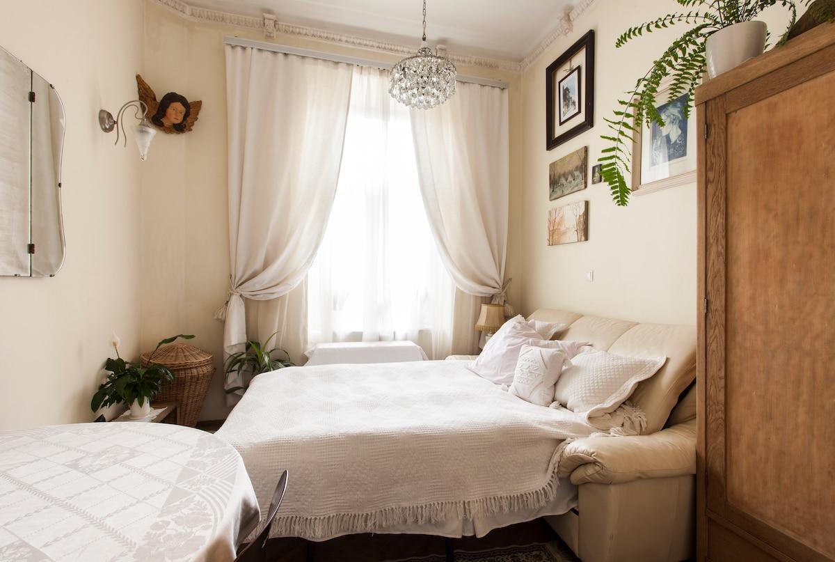 Cosy room & home in KRK city center