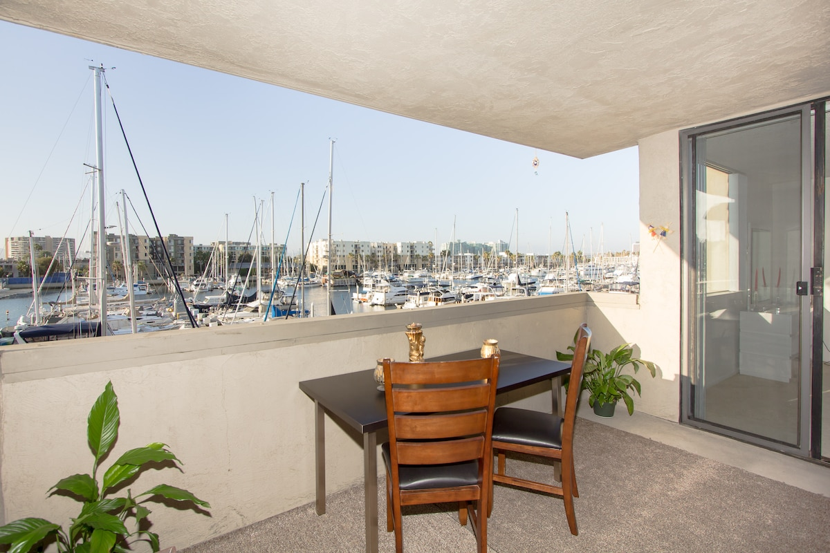Bright Spacious Ocean Marina View