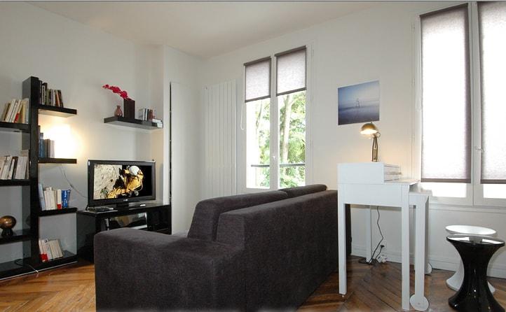 Cet appartement 2 pièces calme et ensoleillé accueille jusqu'à 4 personnes / This warm and comfy apartment welcome up to 4 peoples