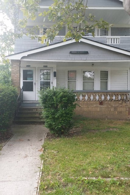 2 bedroom home in Shaker hts