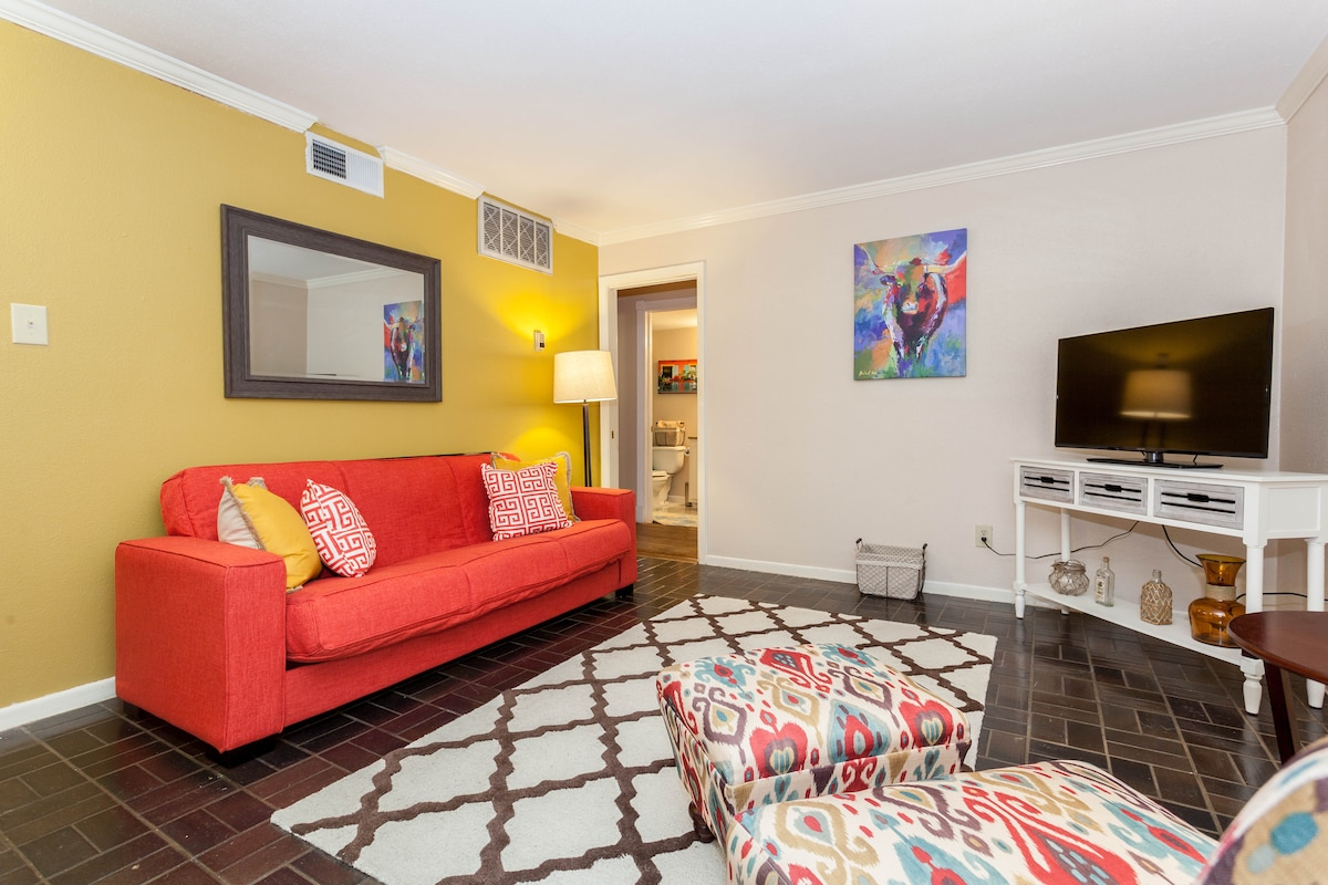 Spacious 1BR in Downtown Austin