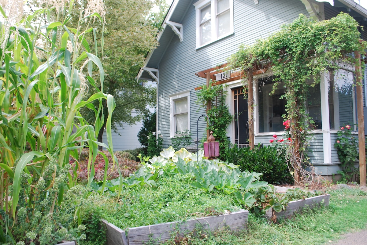 Historic 1909 House in the Heart of McMinnville