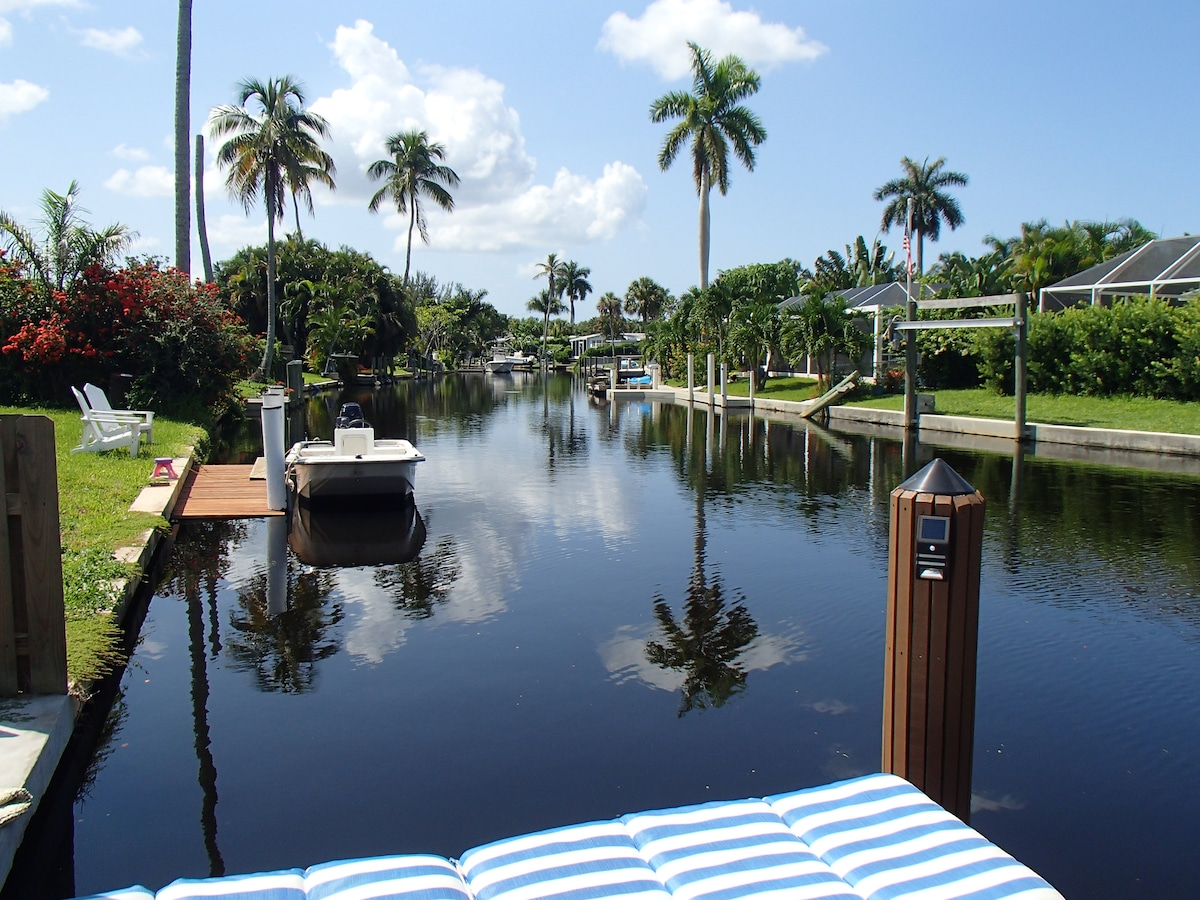Beautiful home w/ river boat access