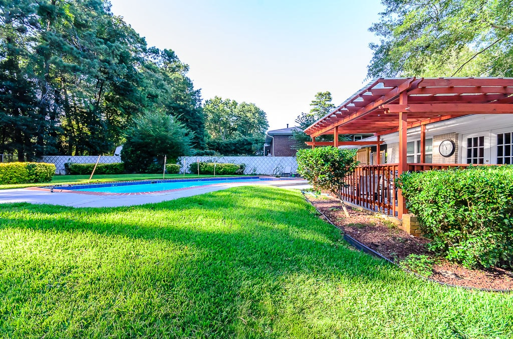 Stunning,ATL 3BDR +1 ,Pool,All New
