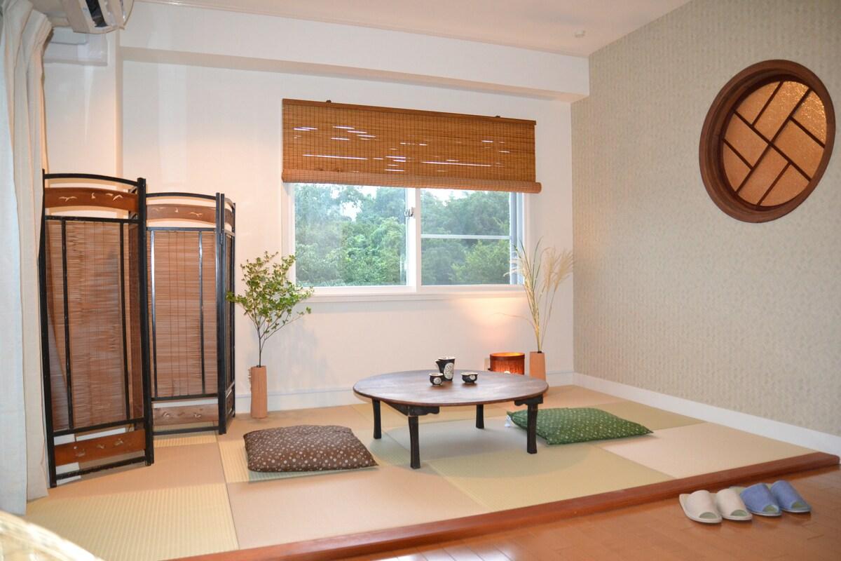 Large apartment in hip Ebisu/Meguro