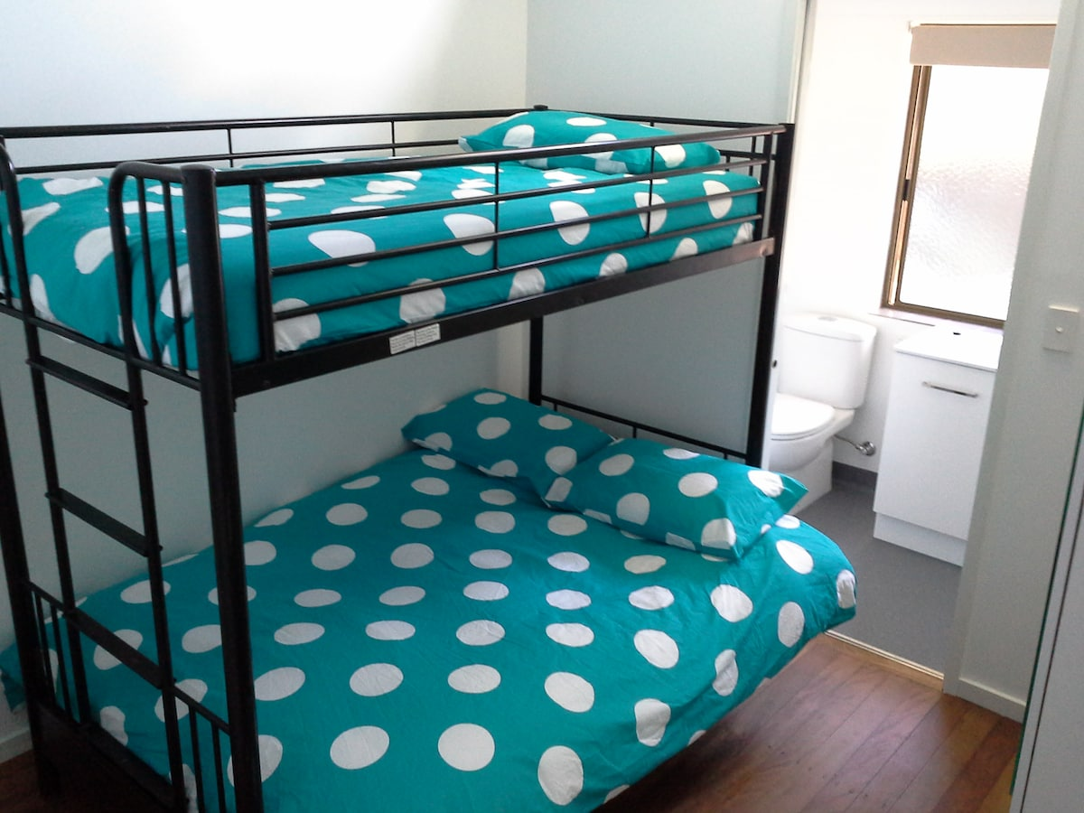 Female only room, bed 2 of 2
