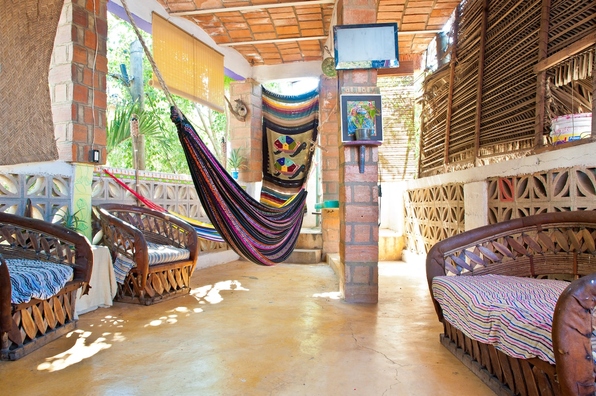 Chillum Surf House Private Room #2