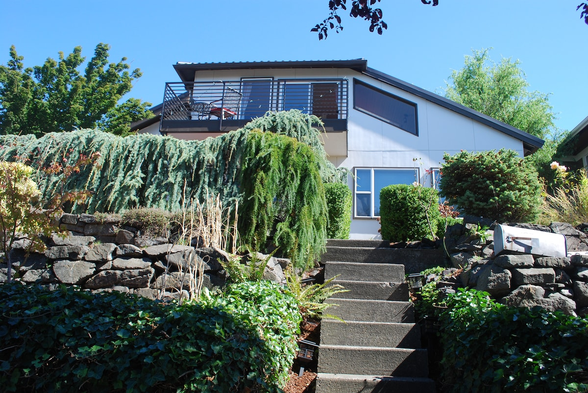 View Home in West Seattle