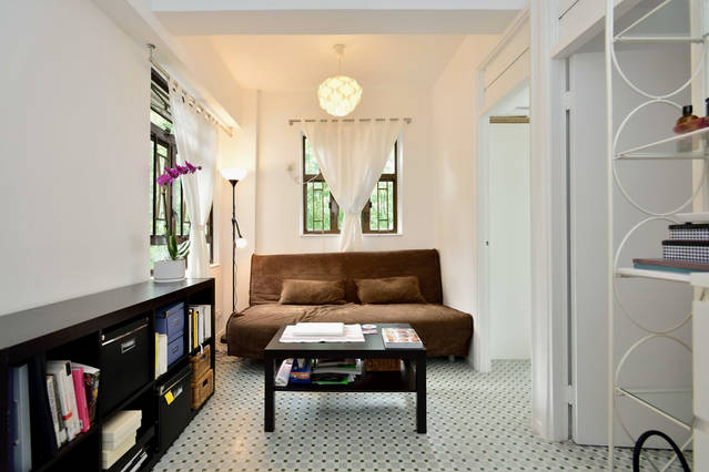 Cozy double bedroom on Hollywood Rd