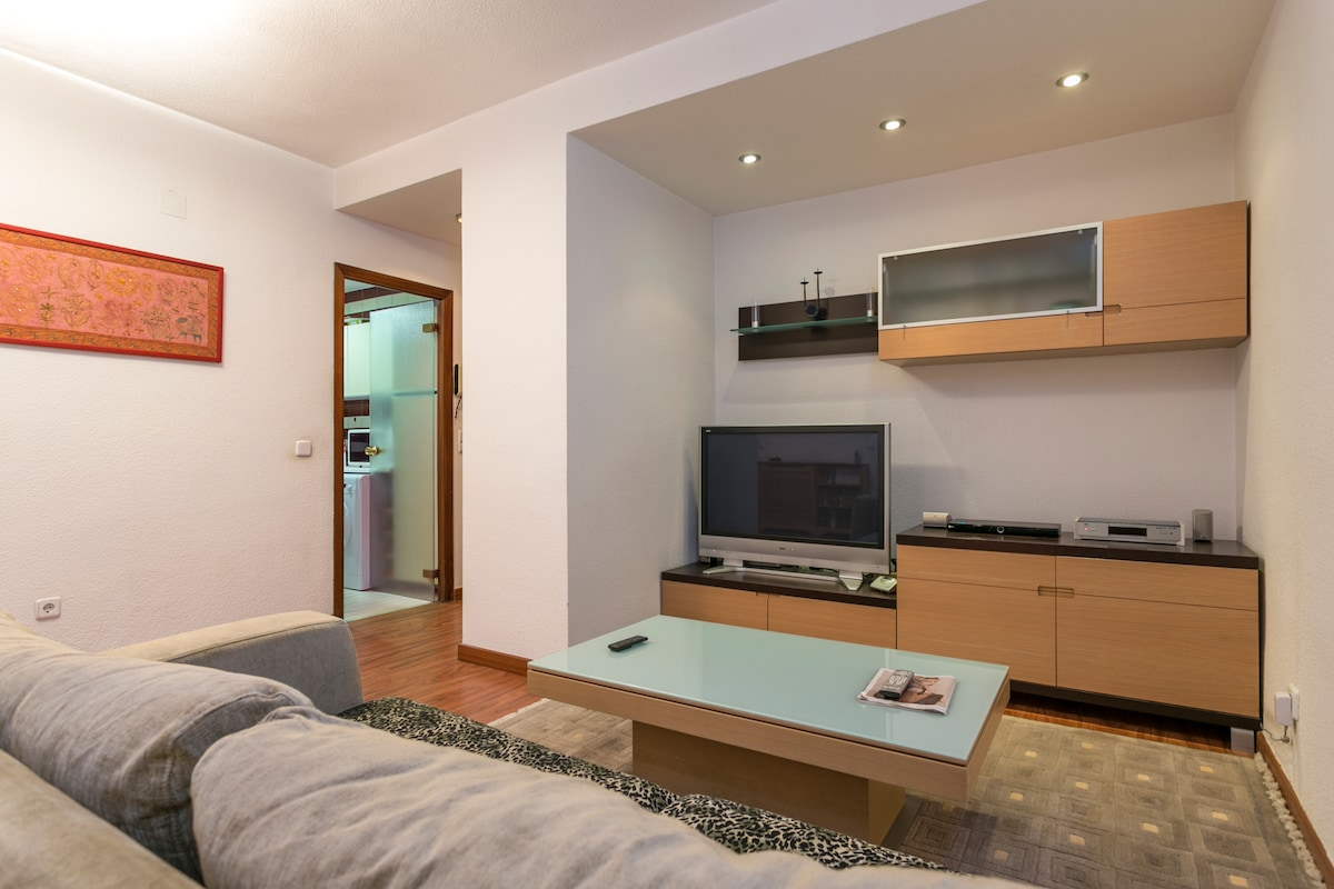 Room in private flat city centre.