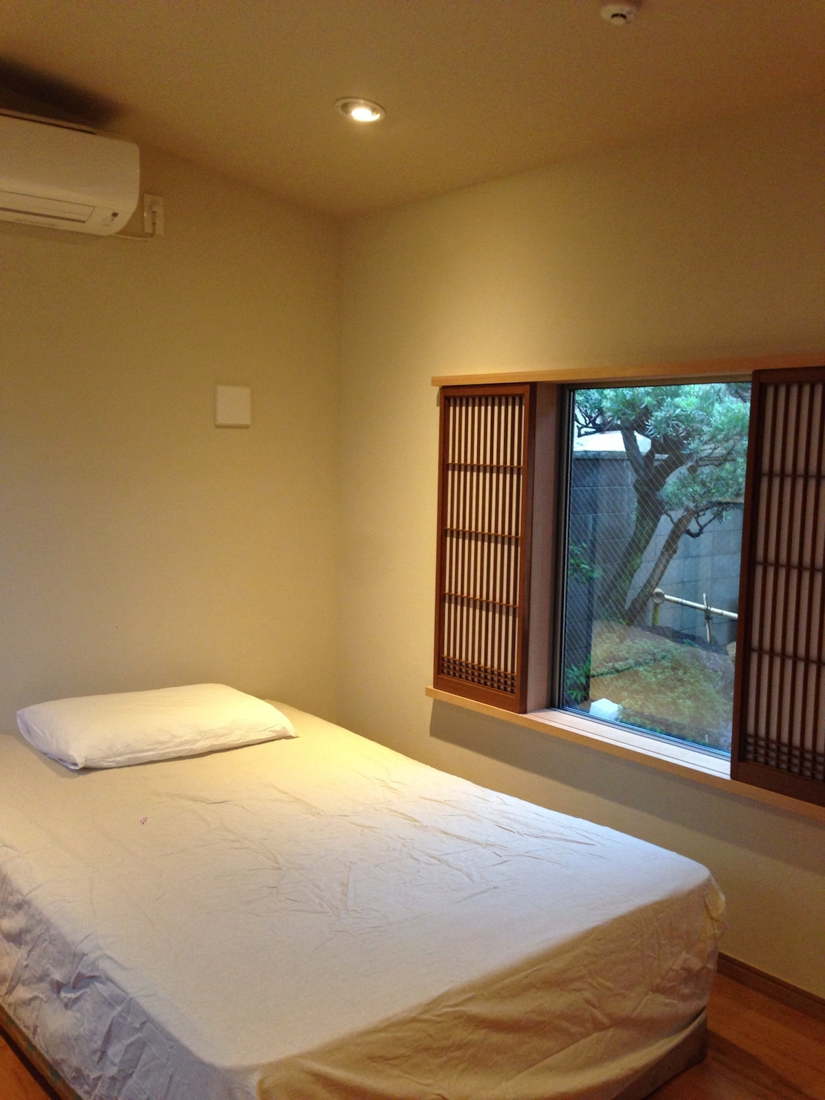 Japanese garden view private room