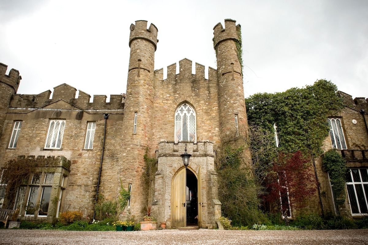 An English Castle ~ Pemberly Style