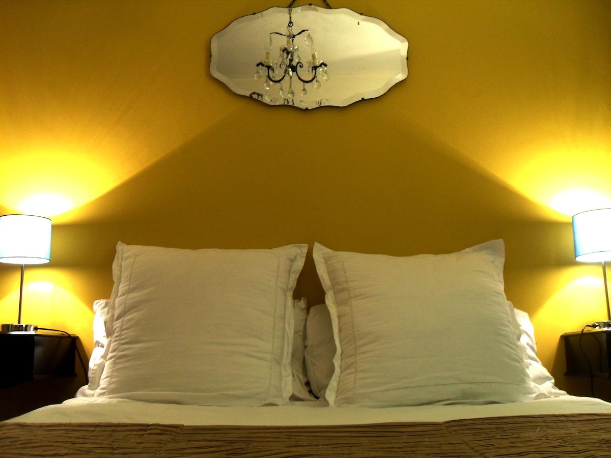 The Portobello Room (detail)