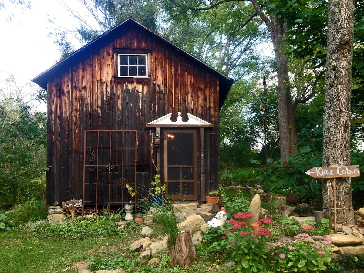 Fisherman's Shack: Eco-Artsy Cabin