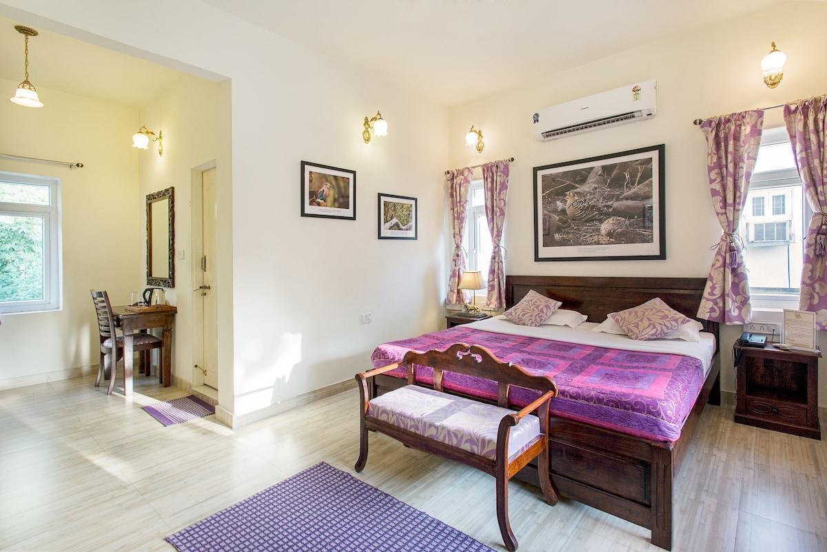 Pratap Bhawan Homestay mauve room