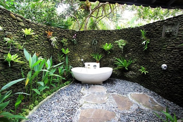 2 seasons luxury apt private pool in ubud for Bathroom garden tub decorating