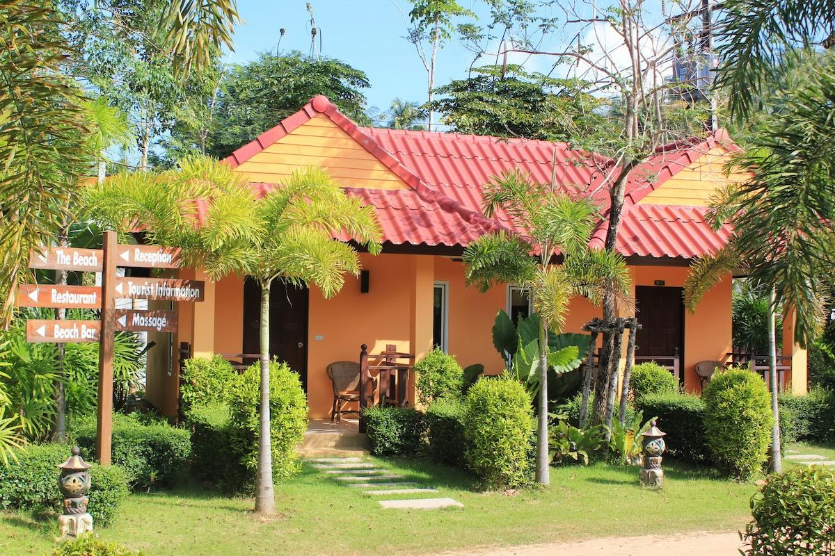 Tropical Garden Bungalow Tropical Deluxe Bungalow
