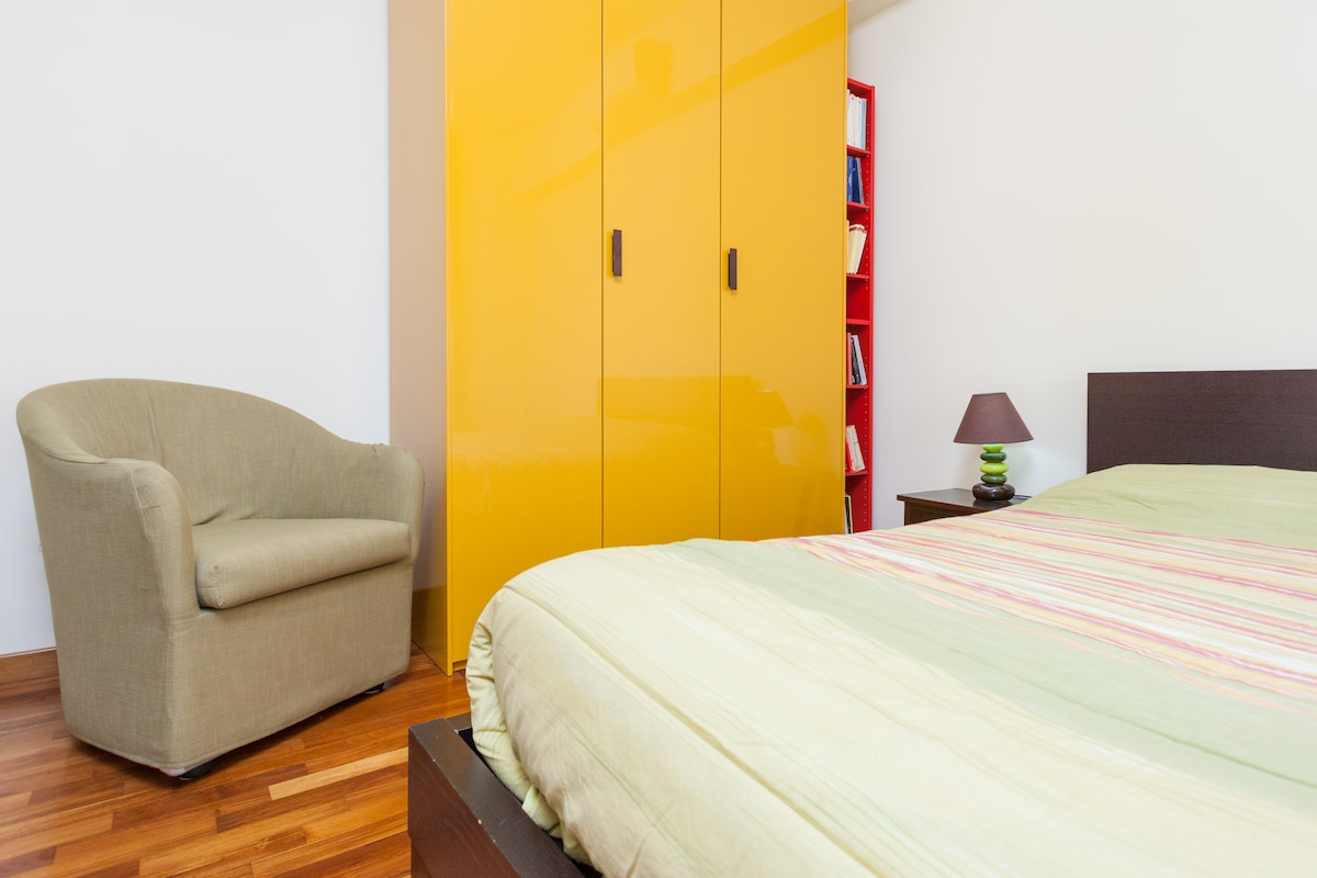 Near TRASTEVERE: room+ pvt bathroom
