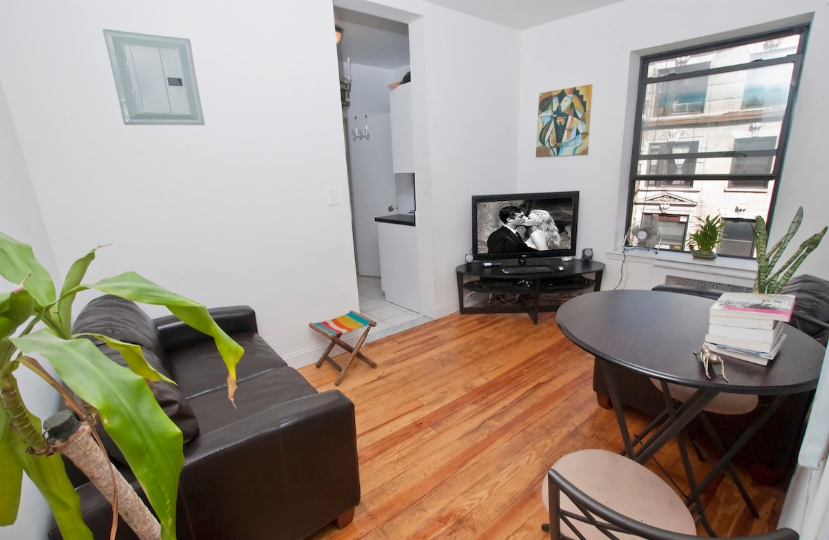 REAL 2BR-HEART OF SOHO-LITTLE ITALY