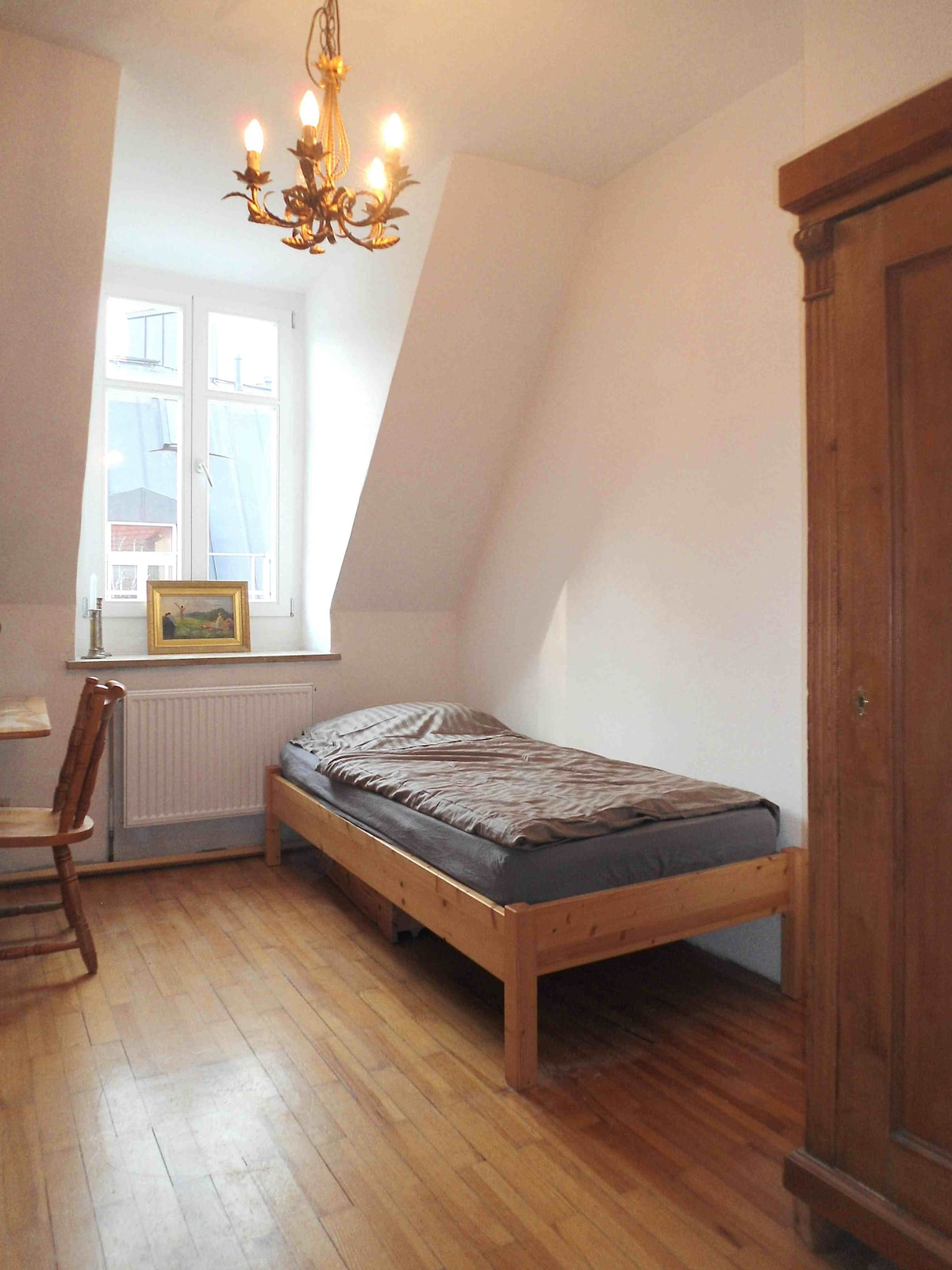 Enjoy it simple , bright, bed, chair, desk , Schrank,