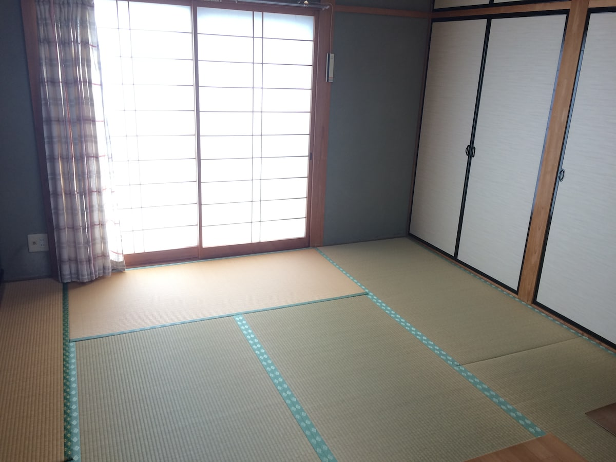 Enjoy Japanese-style room (^^)