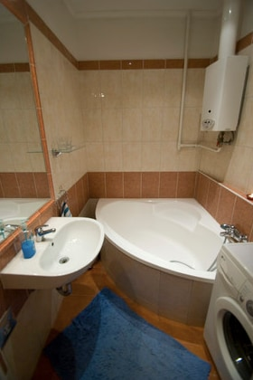 The Astoria Residence's bathroom, with everything you need...