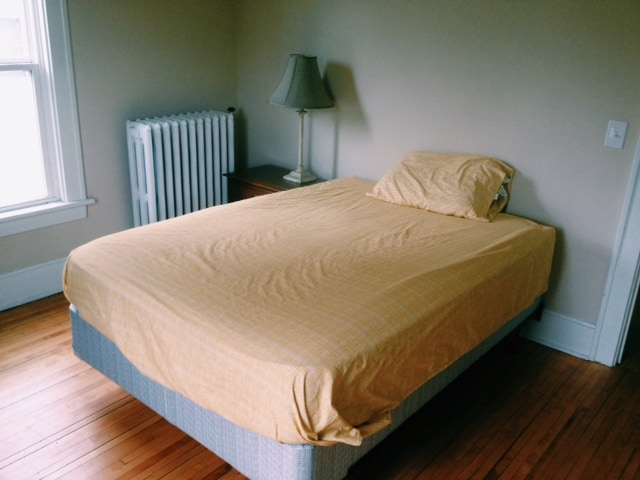 Cozy Bed in fully furnished home