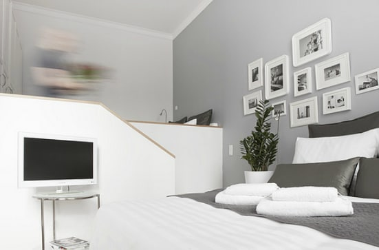 studio 44 apartment lumumba in leipzig. Black Bedroom Furniture Sets. Home Design Ideas