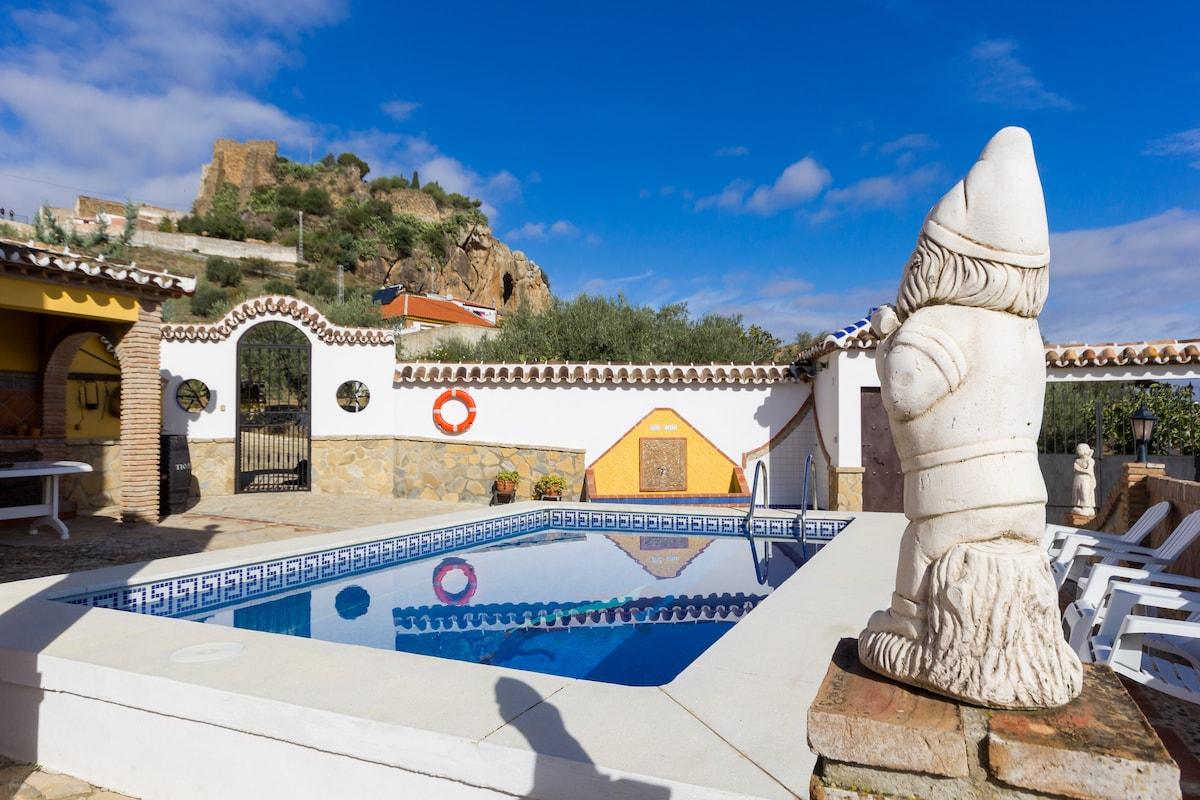 3 bed villa, private pool, views