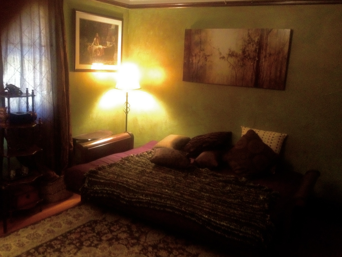Aphrodite Room #2