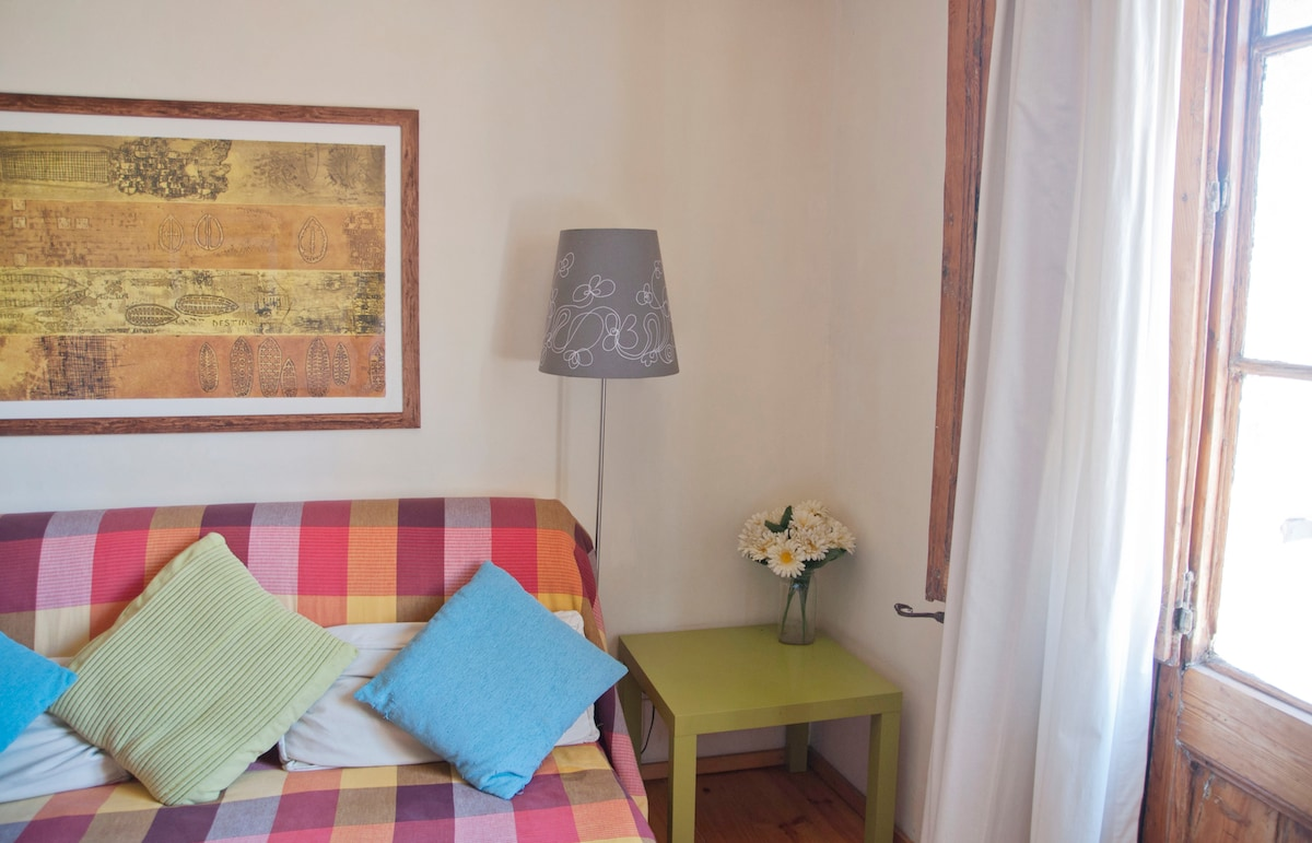 Cosy apartment near Las Ramblas