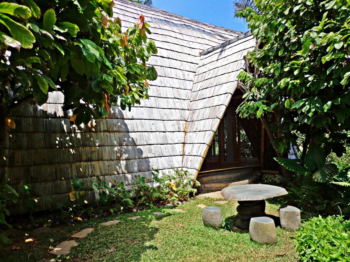 Romantic Bamboo Guest House byRiver