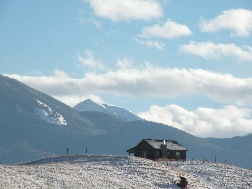 Elk Ridge cabin near Yellowstone Pk