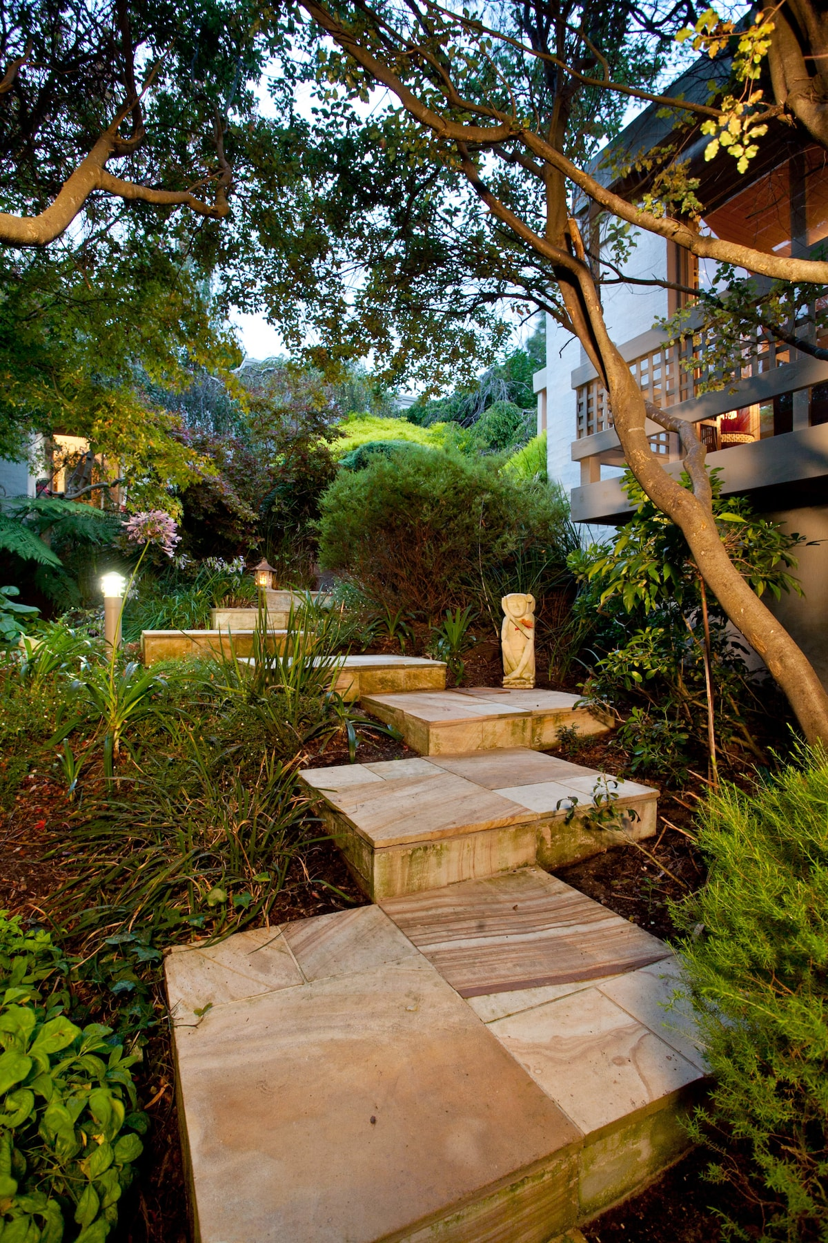 Eden on the Hill - Park Apartment