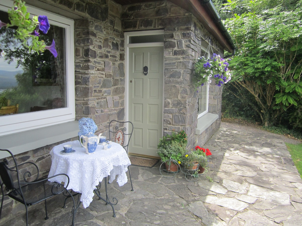 Welcome to Caragh Heights Holiday home. Free WiFi