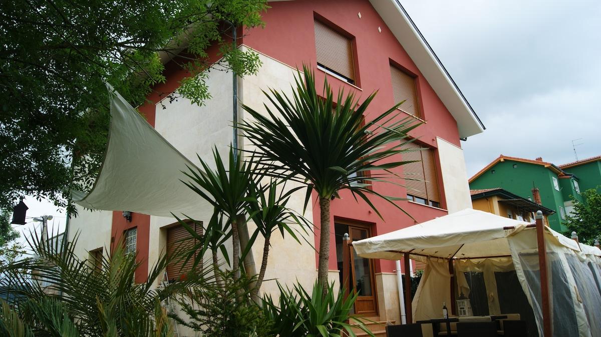 fantastic house, residential area, tanos, torrelavega, cantabria, 4 rooms,3 bathrooms,garden,garage, near of beachs,shopings,all interes places santander