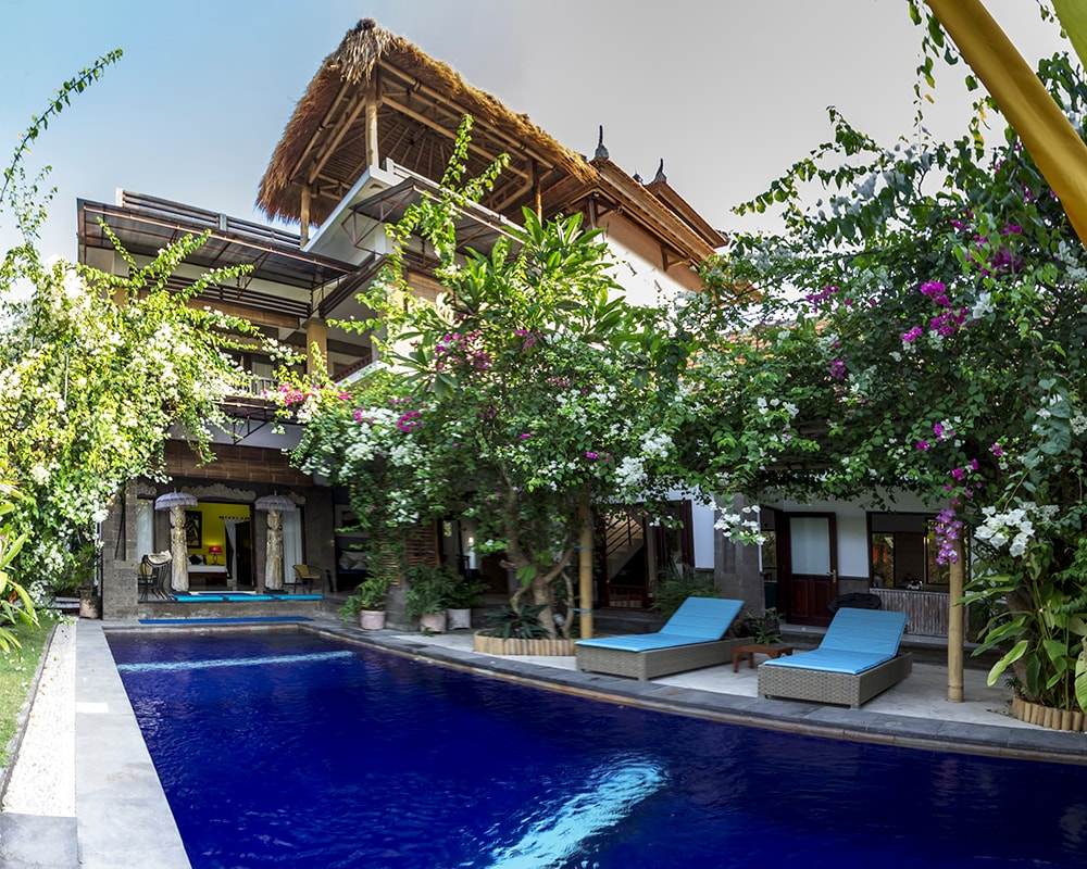 Large Villa showing 3 levels of Entertainment and relaxing spaces.