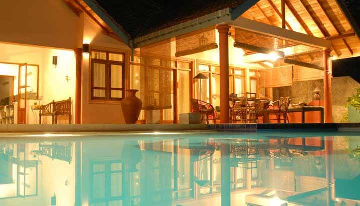 Unawatuna rooms with pool and A/C