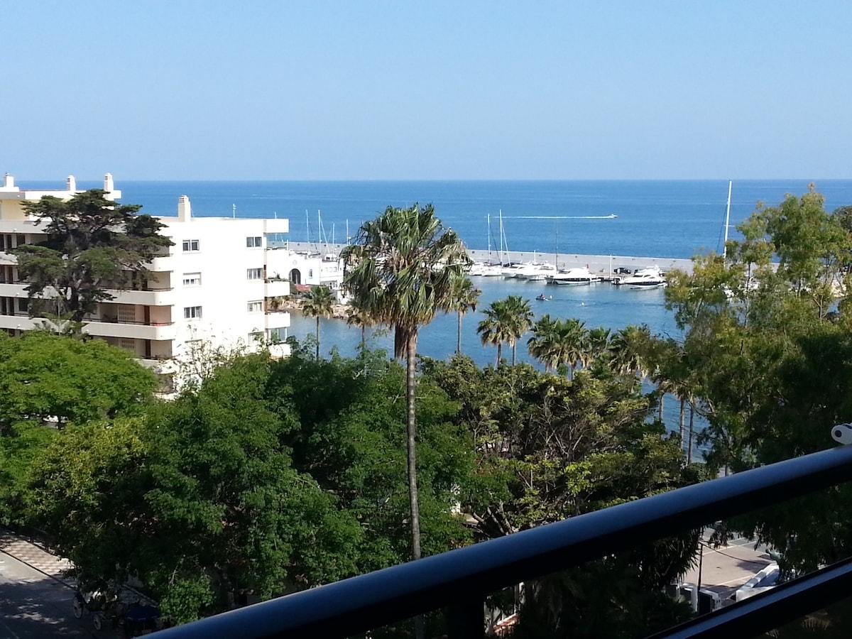 Beachfront Apartment Skol Marbella