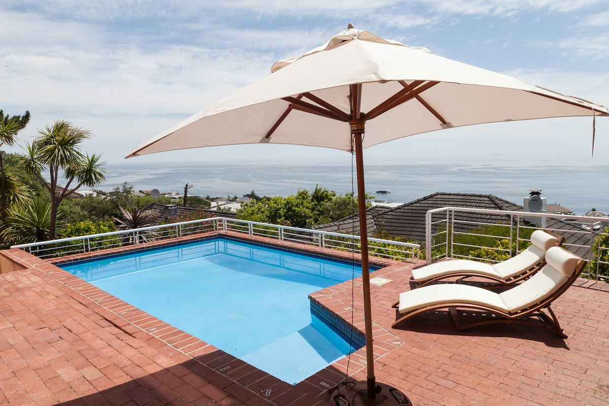 Luxury House-Share in Camps Bay