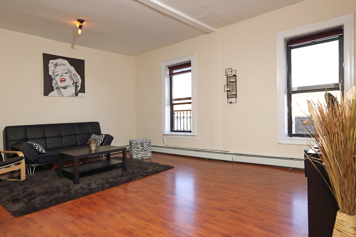 Specious room in Brooklyn!
