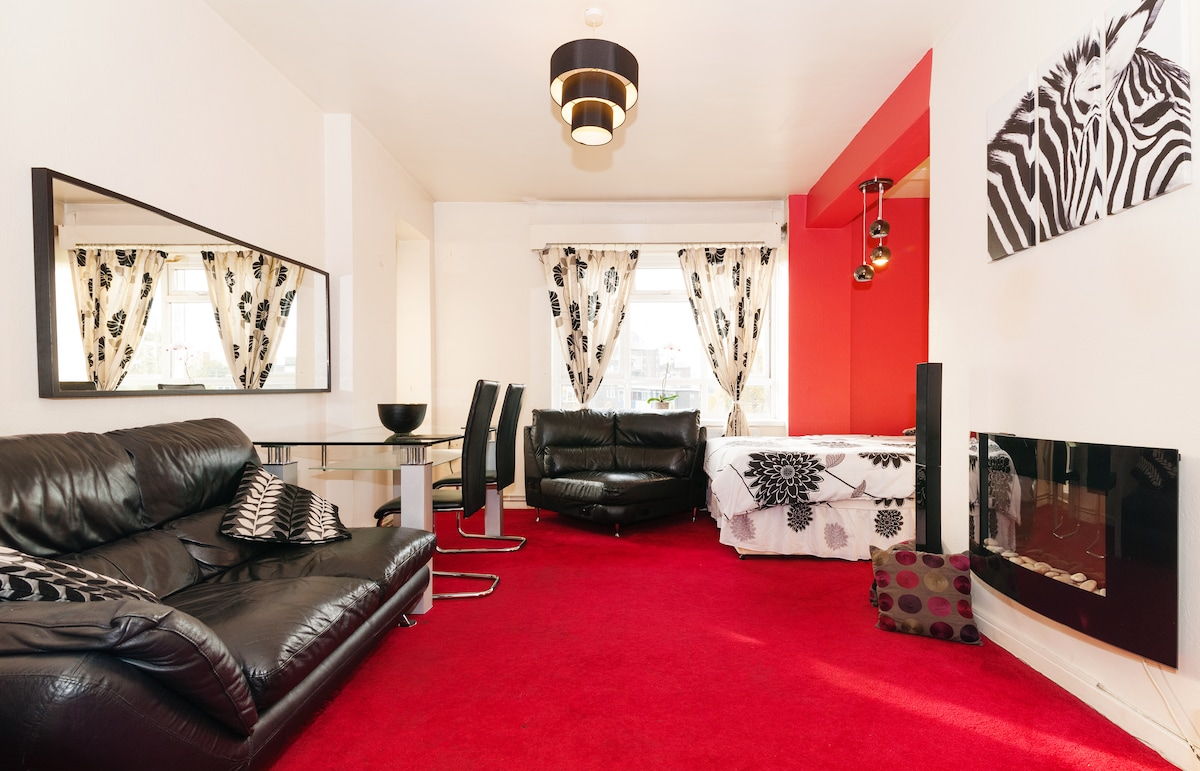 Huge room with balcony Central Lond