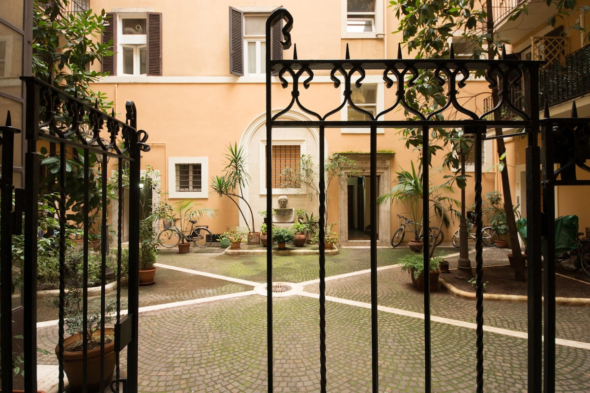 Family apartment in central Rome