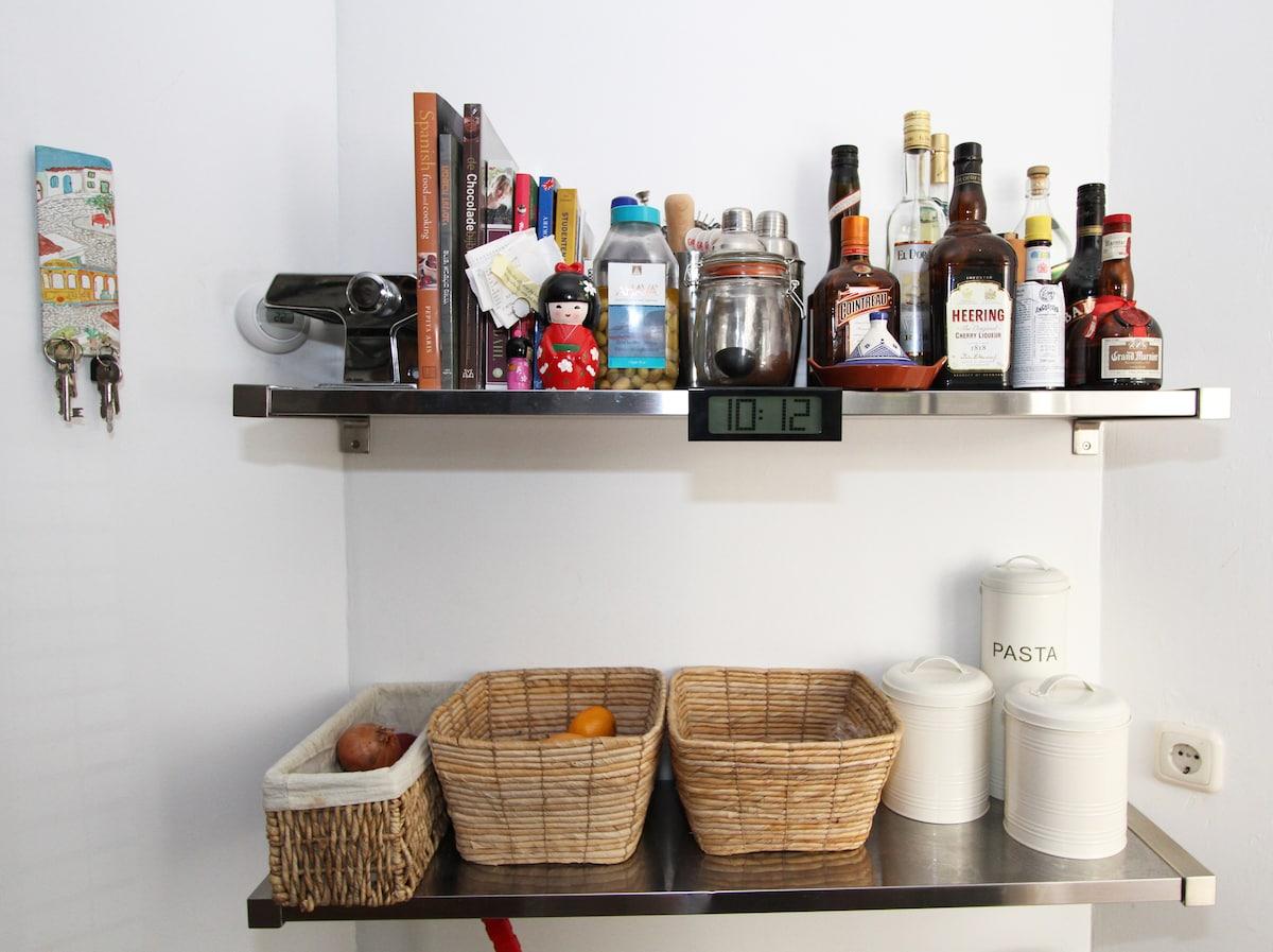 Kitchen -  Clean,Cozy & Central + Free Bikes