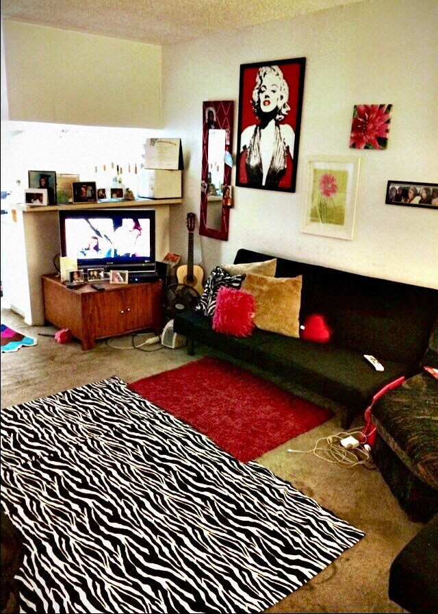 Spacious Artsy Studio Apartment