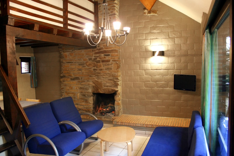 Lovely Mosan Cottage with fireplace