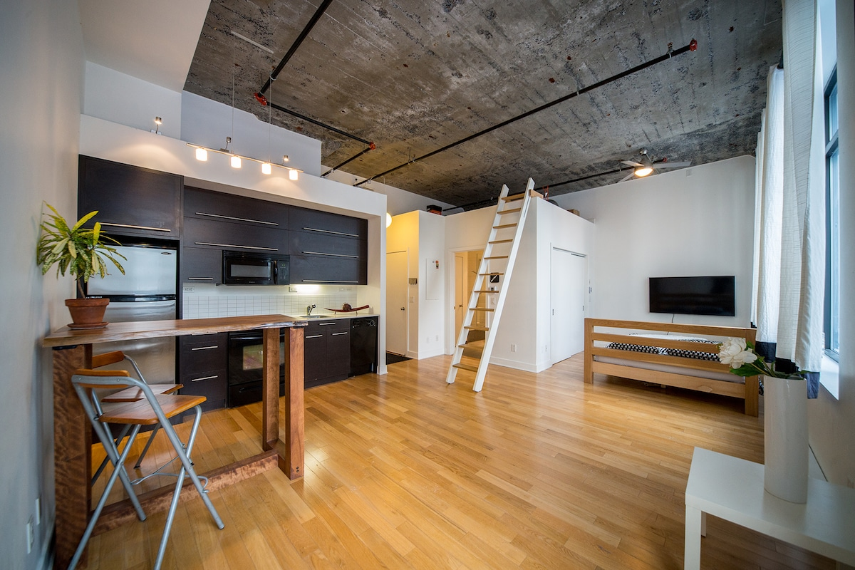 High-End Down-Town Loft